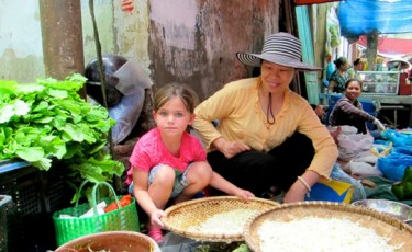 Vietnam_family_Things_to_do_Market